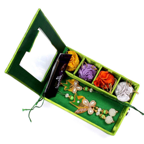 Rakhi for Bhaiya Bhabhi to USA in Gift Box- Rakhis Online -BBR 009 4P